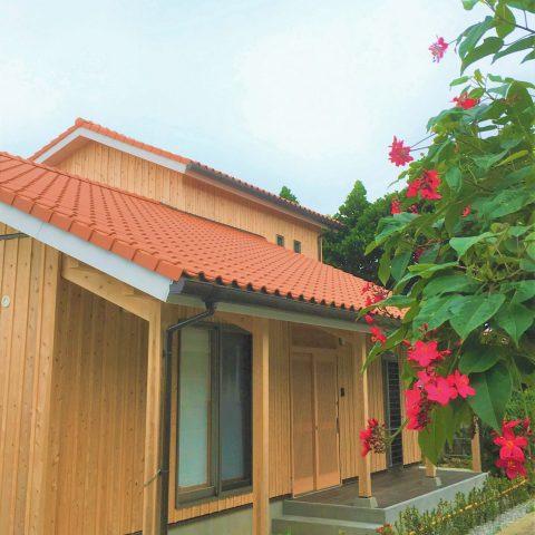伊計島の海を眺める楽しい家