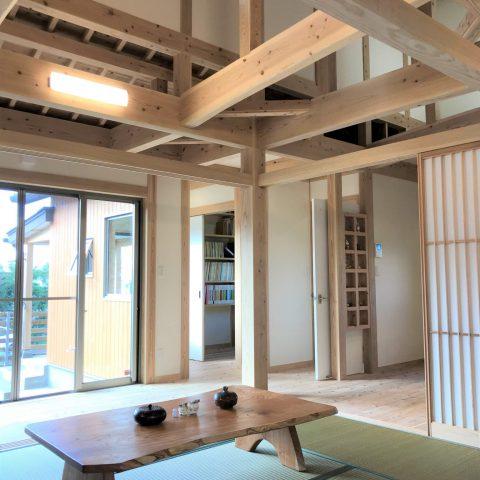 のんびりとした沖縄らしい風情ある家